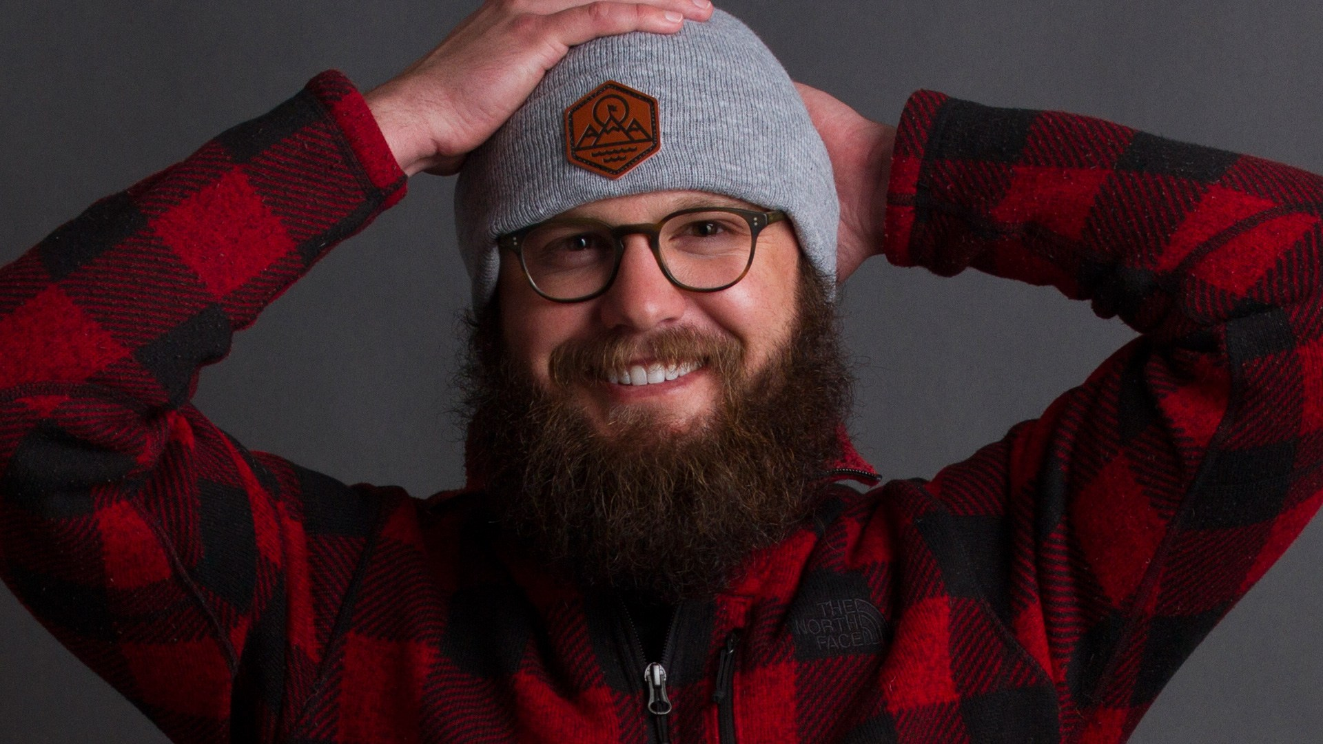 bearded man with element three beanie
